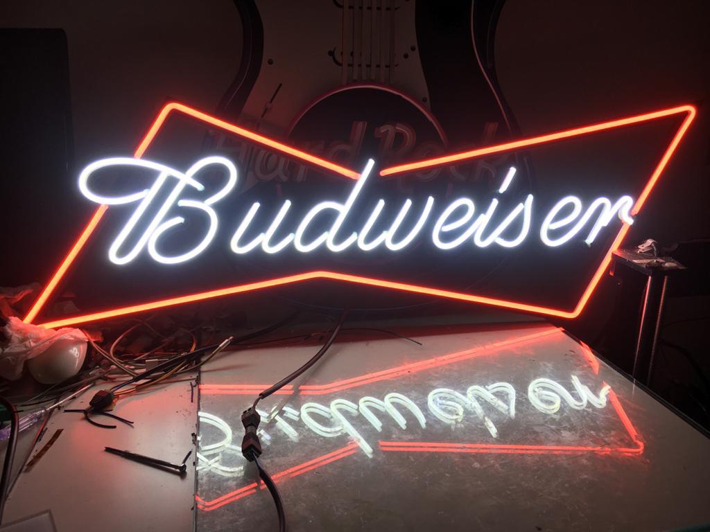 Rotulo-Neon-LED-No-Contaminante-Budweiser