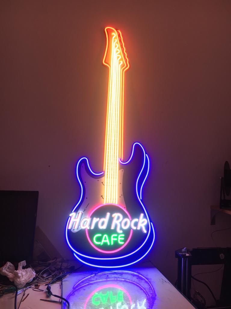 Rotulo-Neon-LED-No-Contaminante-Hard-Rock-Cafe